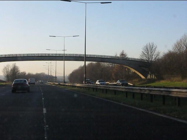 M62 motorway - Yew Tree Road footbridge