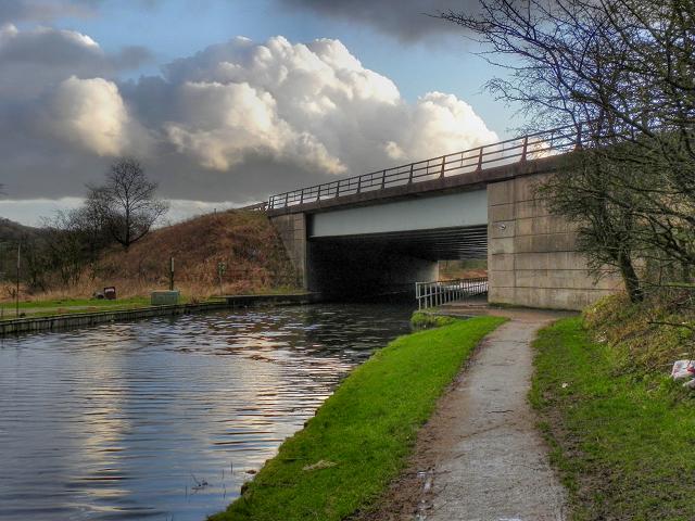Leeds and Liverpool Canal, M61 Motorway Bridge