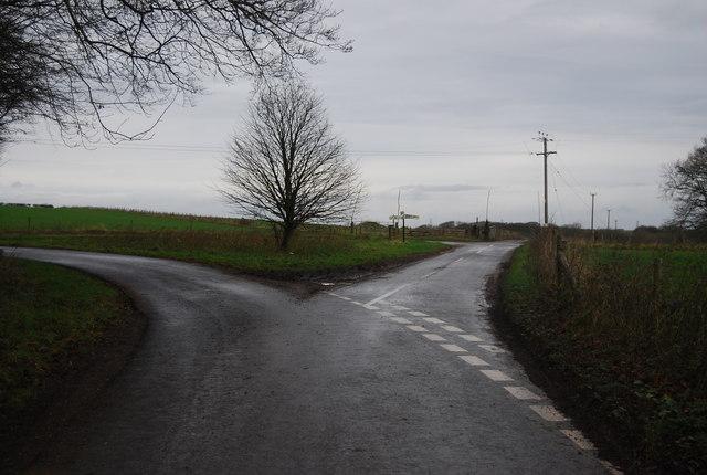 Lane junction near White Hill Wood