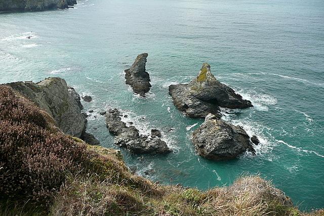 Islets by Trevellas Porth
