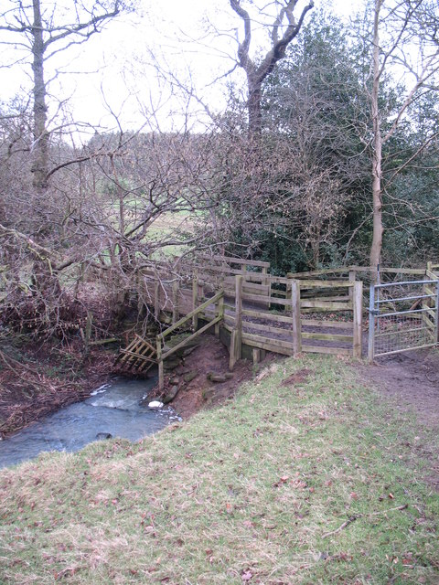 Footbridge over unnamed beck