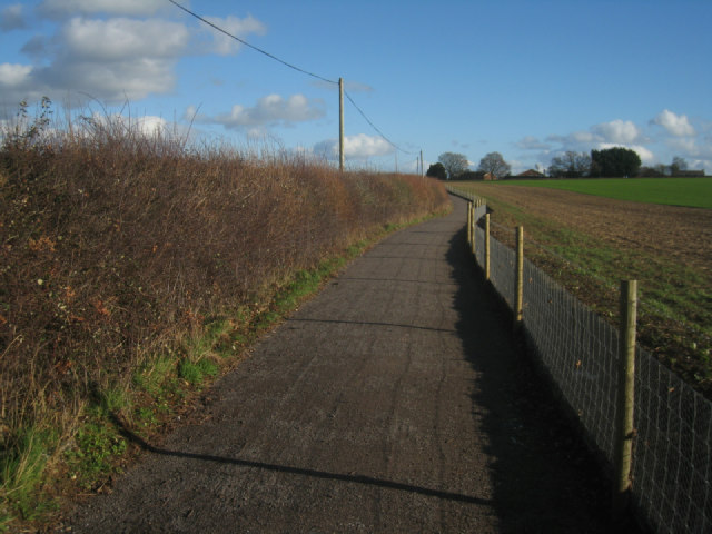 Cycle path into Basingstoke