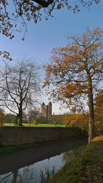 Sissinghurst Castle from the Bridleway to Digdog Lane