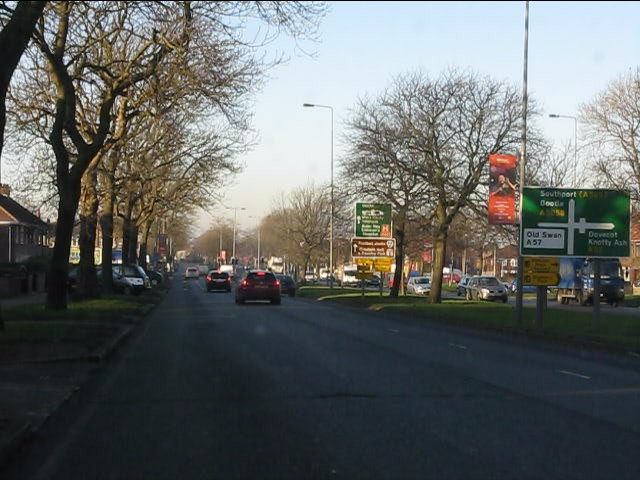 Queens Drive approaching Prescot Road junction