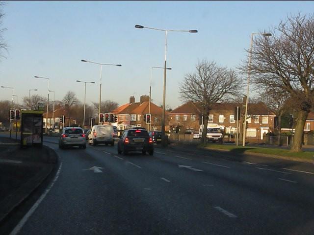 Queens Drive at Alder Road