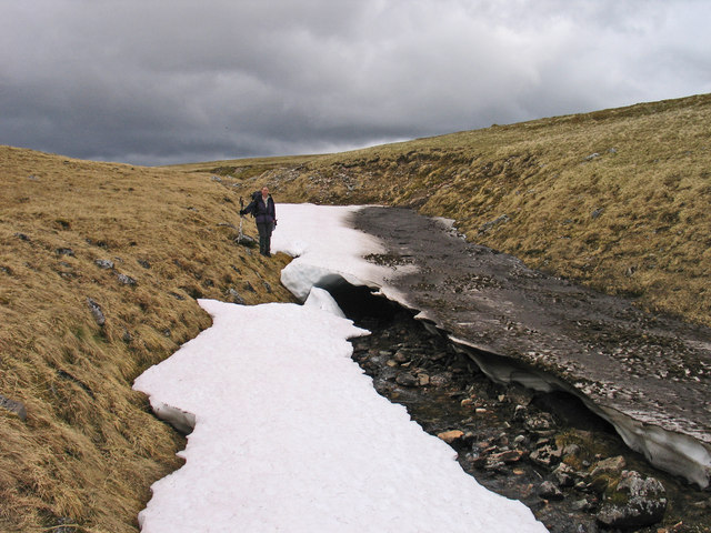 Snow banks in stream groove draining into Moy Corrie