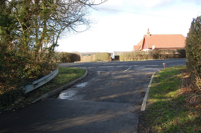 Junction of Mounts Lane with A28