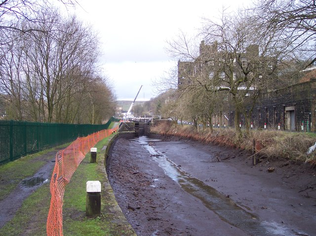 Rochdale Canal drained for repair at Thikone Lock