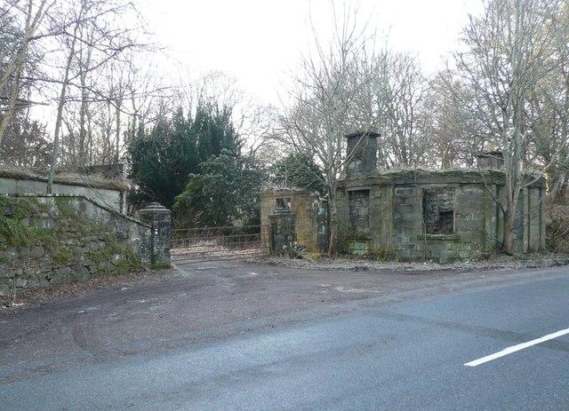 Derelict gatehouse