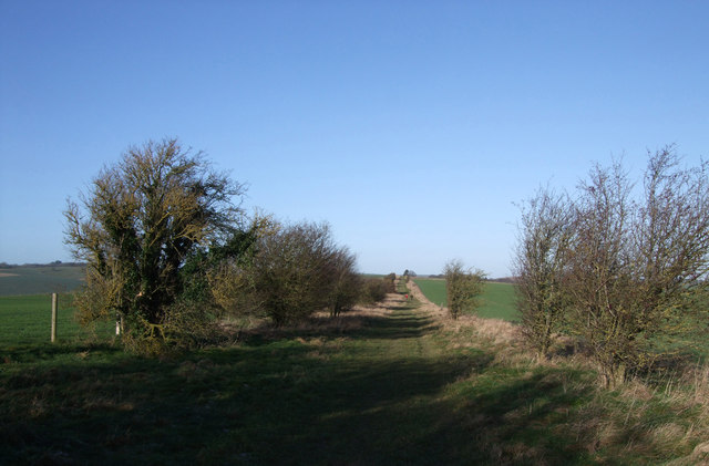 Bridleway from Aldbourne to Four Barrows