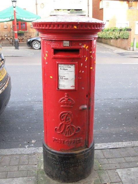 Edward VII postbox, Church Road / Wroughton Terrace, NW4