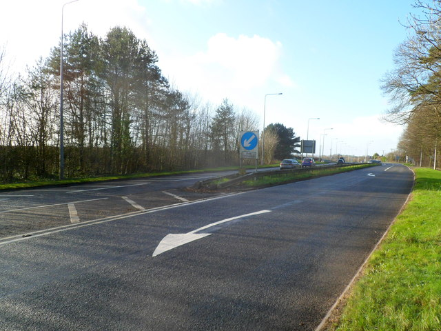 Eastern edge of dual carriage on the A48 near Bonvilston