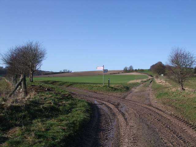 Junction in byways to Snap and Upper Upham