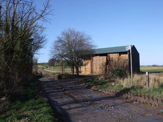 Barn at beginning of byway to Upper Upham