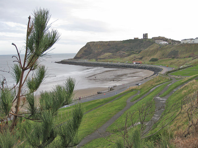 Castle cliff from Queens Parade