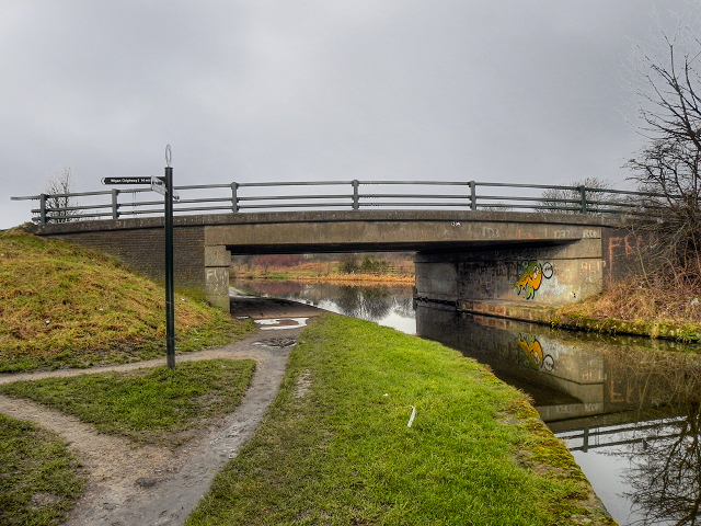 Leeds and Liverpool Canal. Springs Bridge