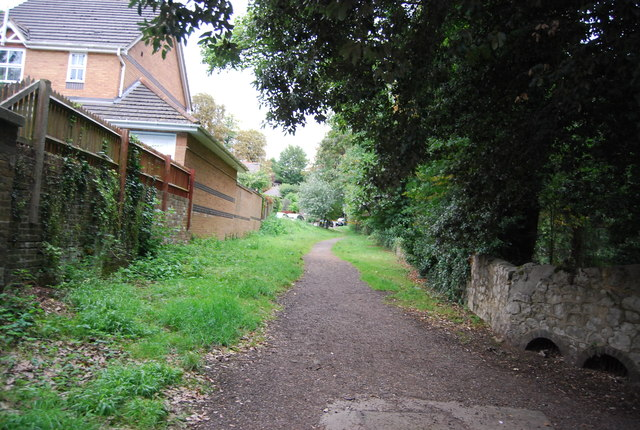 Footpath off the River Medway