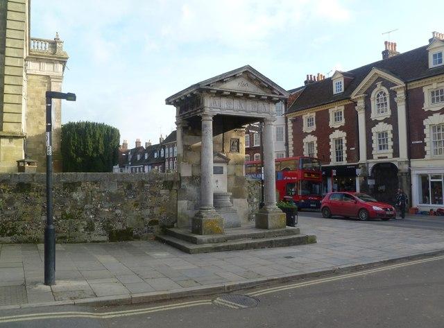 Blandford Forum, fountain