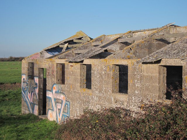 Disused building by Saxon Shore Way