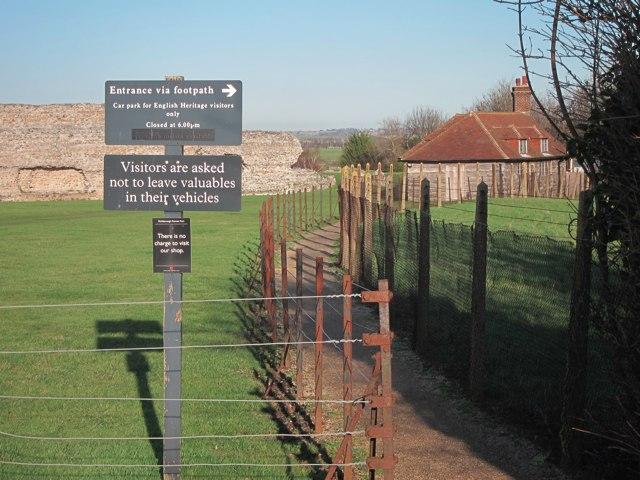 Footpath past Richborough Castle