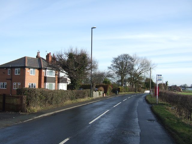 Leeds Road towards Barwick in Elmet