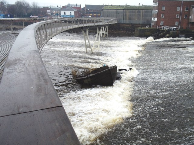The sunken barge, Castleford Weir
