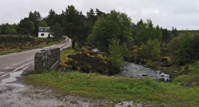 Caochan Glac na Criche and Half Way House