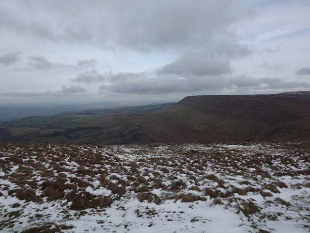 Snow covered Lord Hereford's Knob looking towards Hay Bluff