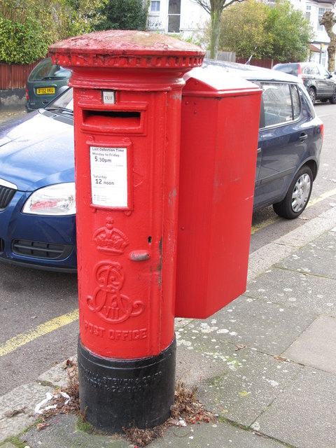 Edward VII postbox, Audley Road / Montagu Road, NW4