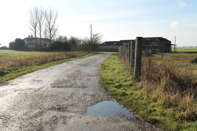 Track to Dale Bridge Farm
