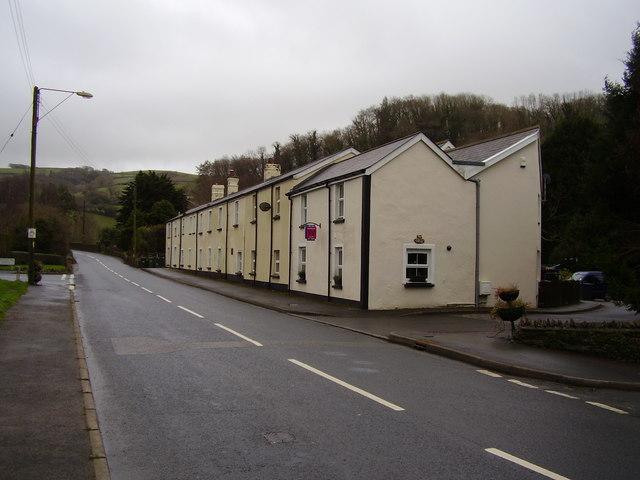 London Inn Cottages, Lynton Road