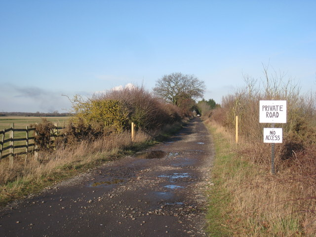 The roadway to Springs Farm