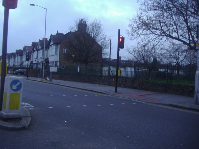 Traffic lights on Lower Addiscombe Road