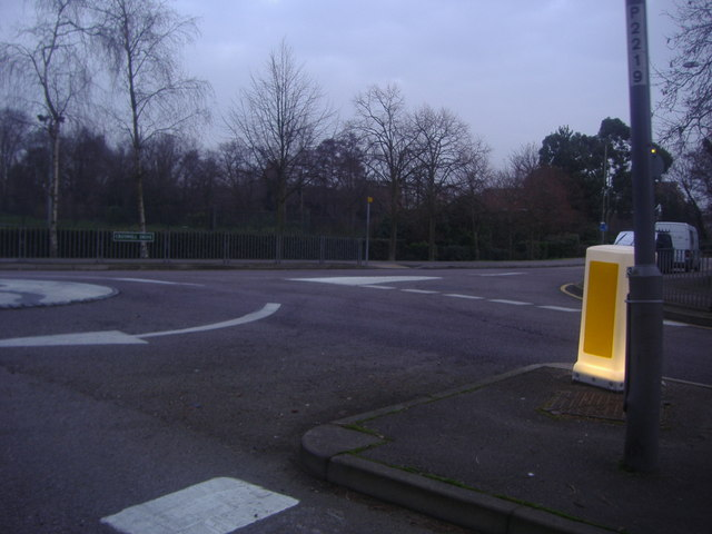 Roundabout at junction of Creswell Drive and South Eden Park Road