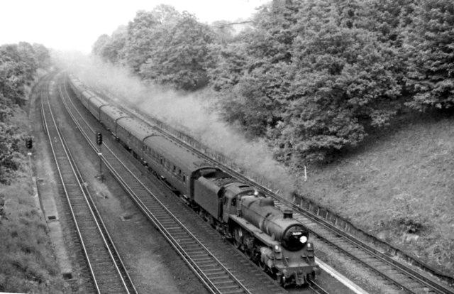 Waterloo - Basingstoke semi-fast approaching Surbiton
