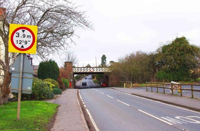 Hanbury Road (B4091) near the railway bridge, Stoke Prior