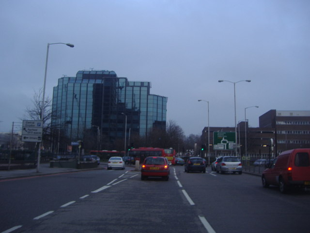 Roundabout at the end of Croydon Flyover