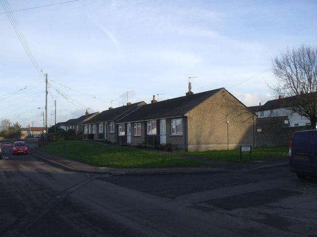 Bungalows, Farmborough