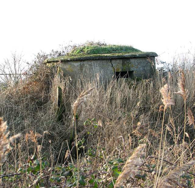 Pillbox by pumping station in Oxley Marshes