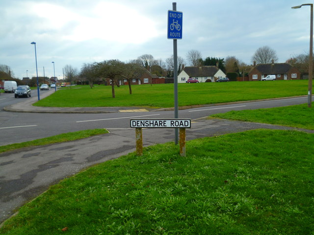 Junction of Manor and Denshare Roads in Selsey