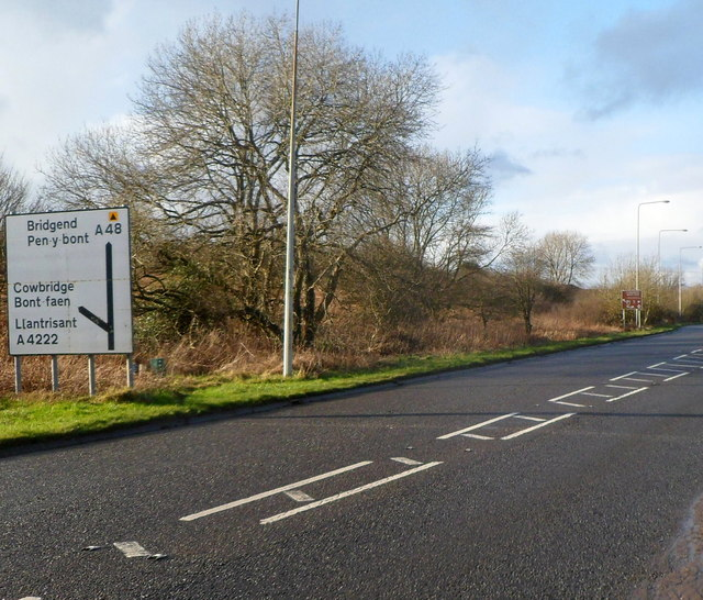 Junction ahead on the NW approach to Cowbridge