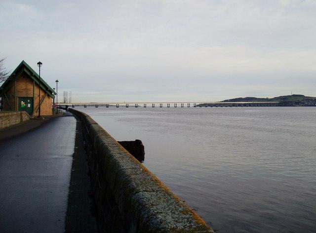 Towards Tay Road Bridge