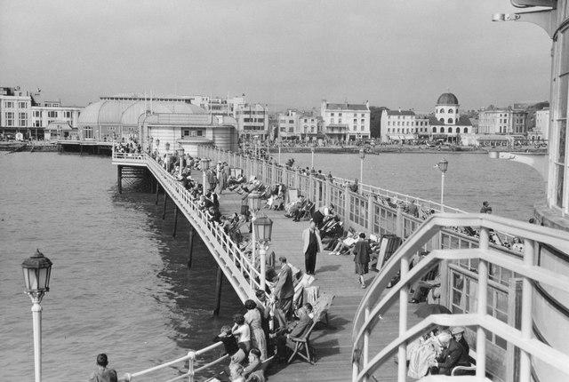 Worthing Pier, 1950
