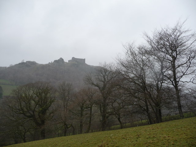 View towards Carreg Cennen from below Llwyn-bedw