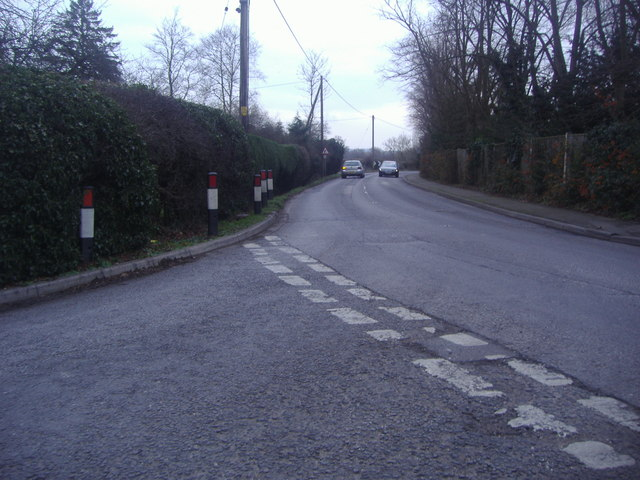 Junction of Tapners Road and Bunce Common Road