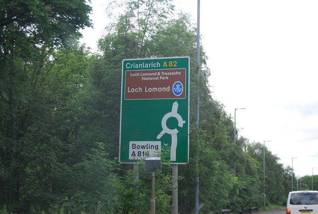 Road sign, A82