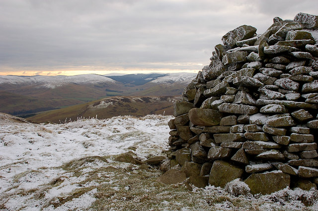 Summit cairn, Mountbenger Law