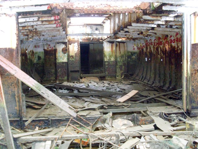 Interior compartments of Vadne