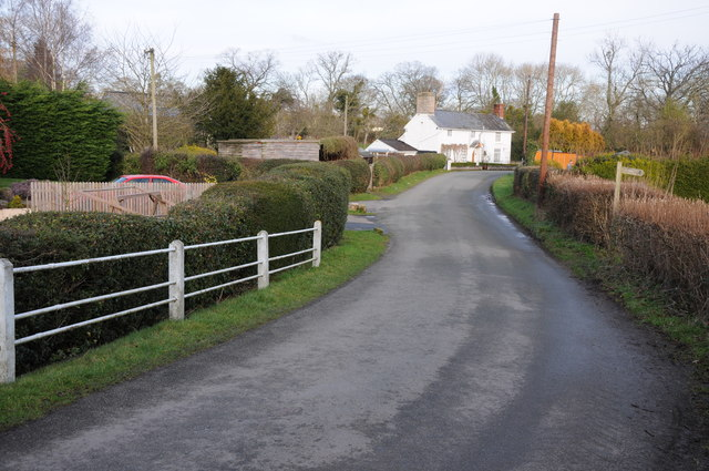Road entering Eardisley