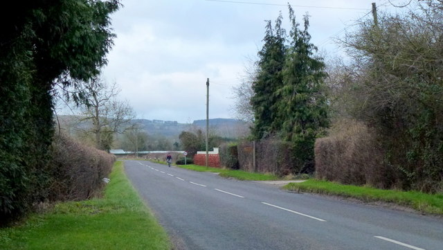 Lone cyclist on Badgeworth Lane